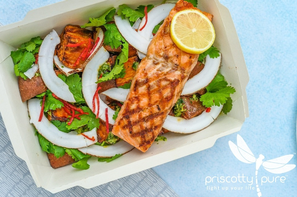 Priscotty Pure Recipe: Garlic Salmon With Lemon Butter